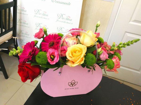 Gentuta decorativa cu mix floral 1