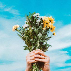 buchet de flori floraria dartina